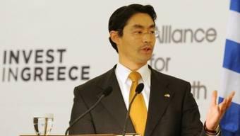 Deutschlands Wirtschaftsminister Rösler will Griechenland in der Euro-Zone halten