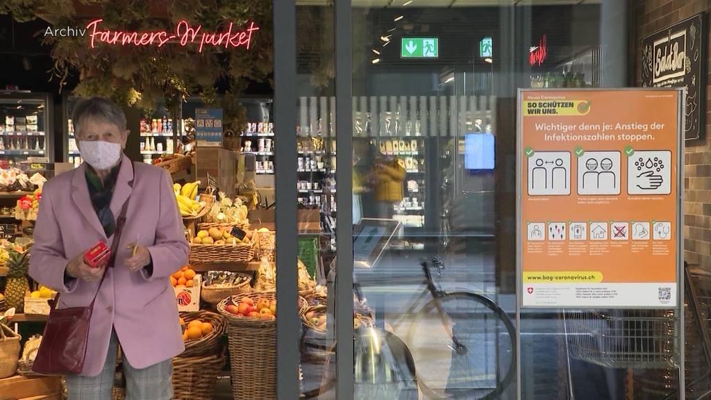 Einkaufen ohne Mundschutz ab August: Detailhandel fordert Aufhebung der Maskenpflicht