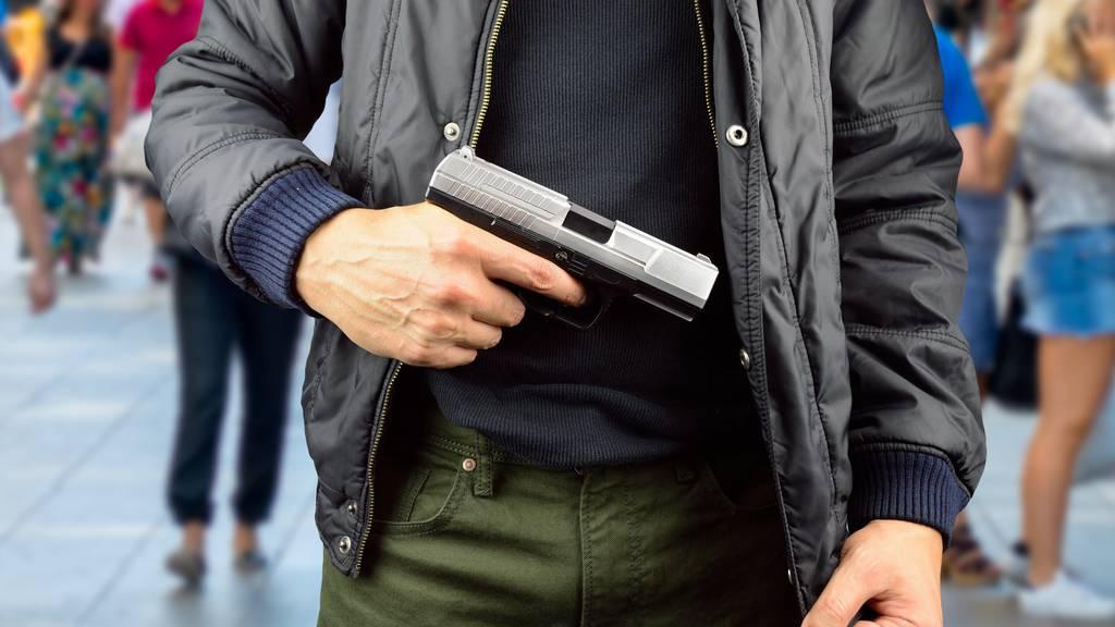 Der Mann, der die Waffe zückte wurde verhaftet. (Symbolbild)