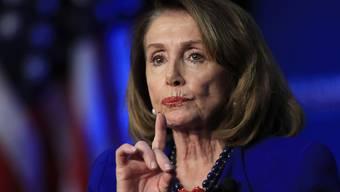 """""""Würde das Land spalten"""": Die Vorsitzende des US-Abgeordnetenhauses, die Demokratin Nancy Pelosi, hat sich gegen ein Amtsenthebungsverfahren gegen den republikanischen Präsidenten Donald Trump ausgesprochen. (Archivbild)"""
