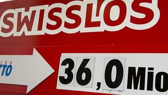 Wer im Lotto einen Megajackpot knackt, soll künftig von einem Steuerfreibetrag von einer Million Franken profitieren. Dies schlägt der Ständerat im neuen Geldspielgesetz vor. (Symbolbild)