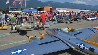 Die viermotorige Boeing-B17 «Fliegende Festung» stach besonders hervor.