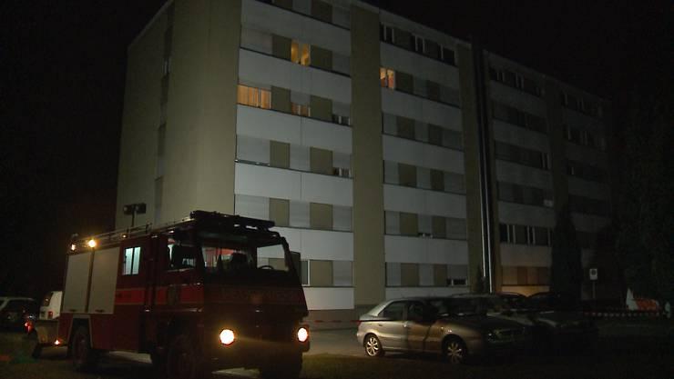 In der Nacht auf Mittwoch mussten die Bewohner aus diesem Wohnblock in Trimbach evakuiert werden.