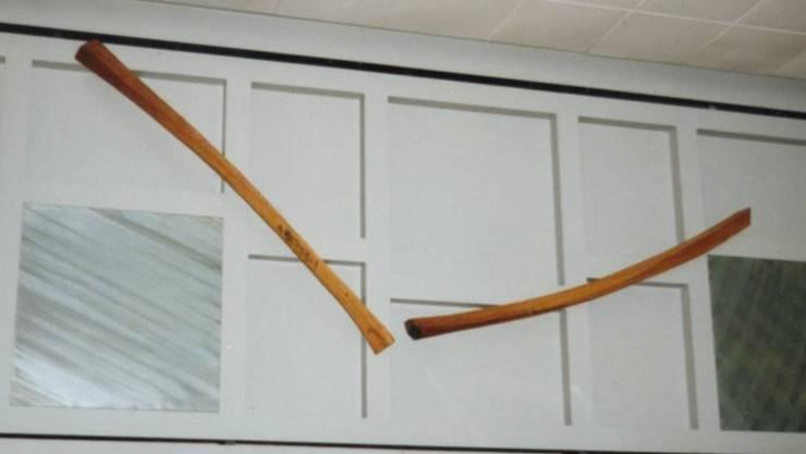 Der Sanierung der Schulanlage Spiegelfeld fiel eine Holz-Skulptur zum Opfer.