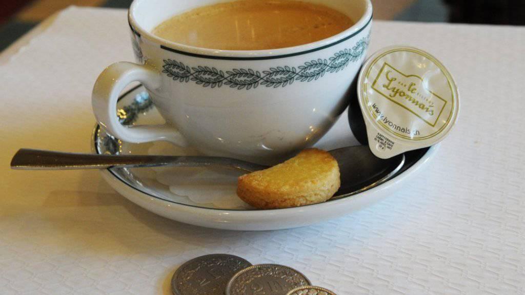 In Zürich ist der Kaffee mit einem Durchschnittspreis von 3,24 Euro weltweit am teuersten. (Symbolbild)