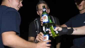 Längere Nachtruhe und strengere Regeln über den Alkoholkonsum der Jugendlichen (Symbolbild)
