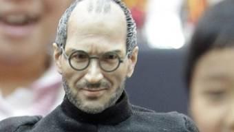 Eine Puppe mit dem Aussehen von Steve Jobs (Archiv)