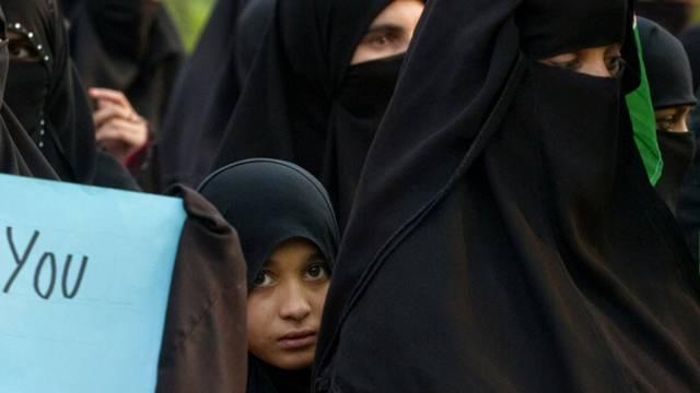 Frauen demonstrieren in Saudi-Arabien für die Freilassung ihrer Männer (Symbolbild)