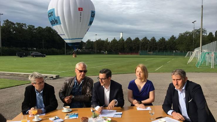 Die Basler FDP bei der gestrigen Präsentation der Nationalratskandidaten Christian Egeler, Thomas Kessler, Luca Urgese, Dominique Martin und Daniel Seiler (v.links).