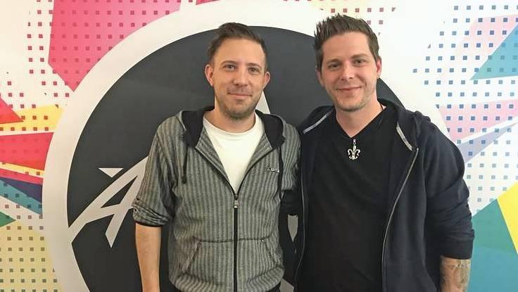 Moderator Marius Füglister mit Pascal Voggenhuber