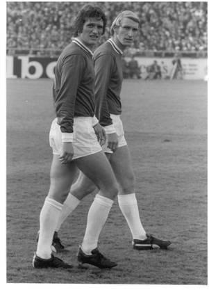 Karli Odermatt (rechts), der Fussballgott. Ende der Sechzigerjahre waren er und Fritz Künzli vom FC Zürich die Topspieler.