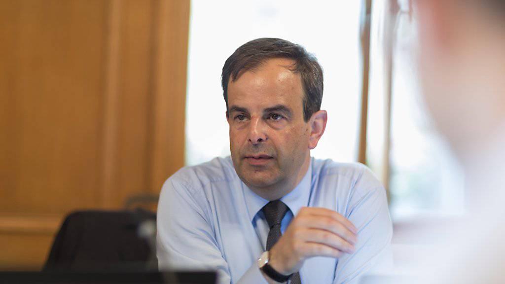 CVP-Präsident Gerhard Pfister vor einer Kommissionssitzung: Drei Monate nach seiner Wahl als Parteichef präsentiert er Ideen, wie sich die CVP unter ihm entwickeln könnte. (Archivbild)