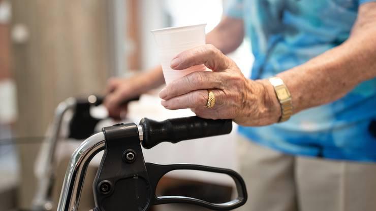 Vor allem die Plätze in Tages- oder Nachtstrukturen von Alters- und Pflegeheimen haben 2019 zugenommen. (Symbolbild)