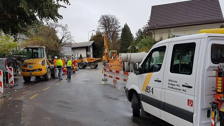 Das Quartier an der Bibersteinerstrasse/Kreuzung Alte Stockstrasse in Rombach wurde nach der Beschädigung einer Gasleitung abgesperrt.