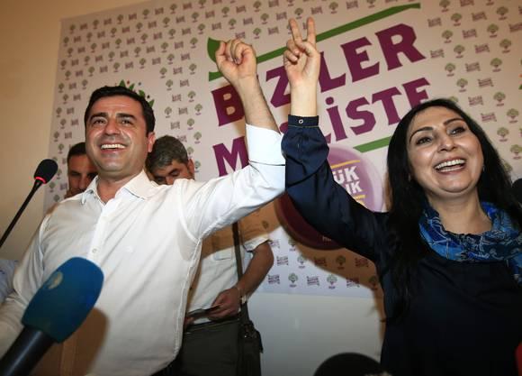 Wurden in der Nacht auf Freitag festgenommen: Selahattin Demirtaş und Figen Yüksekdağ.
