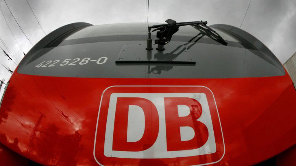 Rote Zahlen bei der Deutschen Bahn: erstmals seit 12 Jahren fährt der Konzern Verluste ein.