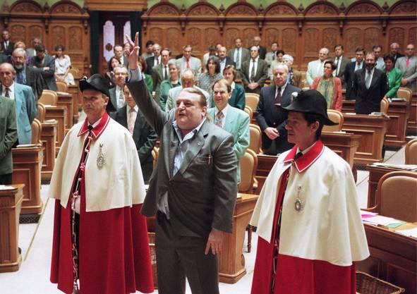 Giuliano Bignasca, Nationalrat der Lega dei Ticinesi, wird am 13. Januar 1995 im Bundeshaus in Bern vereidigt.