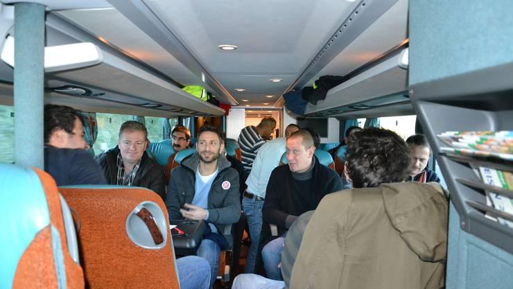 Im Car gings zum Bosch-Hauptsitz nach Deutschland, wo die Scintilla-Mitarbeiter gegen die Schliessung des Werks in Zuchwil protestierten.