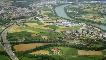 Heiss umstrittenes Entwicklungsgebiet: Salina Raurica zwischen Schweizerhalle und der Gemeinde Augst.