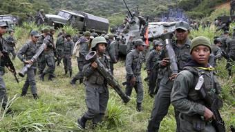 An dem Manöver sind rund 200'000 aktive Soldaten sowie 700'000 Reservisten und Angehörige von Zivilschutzeinheiten beteiligt.