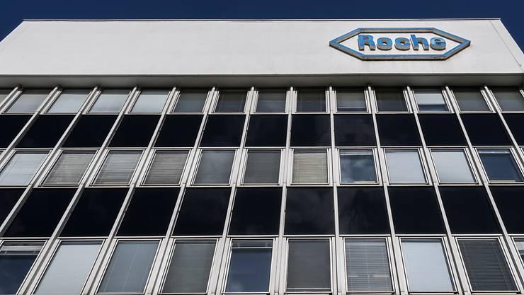 Der Pharmakonzern Roche kauft in den USA eine auf die Behandlung von Lungenkrankheiten spezialisierte Biotechfirma.(Archivbild)