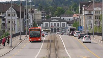 Die Rötibrücke ohne Verkehr? Das wird nicht Tatsache. Es gibt keine autofreie Sonntage in Solothurn.