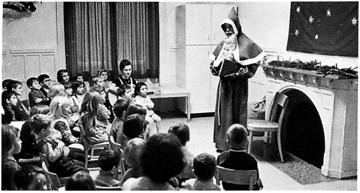 Auch der Besuch des Samichlaus gehörte in der BBC-Kinderkrippe dazu.