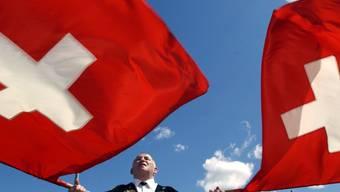 Die Marke Schweiz ist Milliarden wert: Im In- und Ausland sind Konsumenten bereit, bis zum Doppelten des üblichen Preises für ein Schweizer Produkt zu bezahlen.