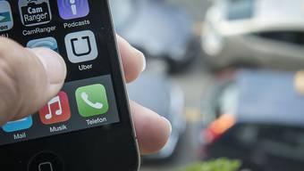Uber dominiert das Geschäft mit der Vermittlung von Fahrdiensten - der kleinere Konkurrent Sidecar gibt nun auf.