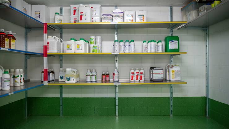 Privatpersonen sollen künftig nur noch eingeschränkt Zugang zu bestimmten Chemikalien erhalten. (Symbolbild)
