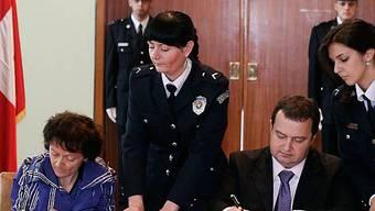 Widmer-Schlumpf unterzeichnet Abkommen