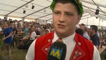 Böse Überraschung für den Aargauer Schwinger Nick Alpiger. Der 18-jährige kämpfte sich bis zur Endrunde durch. Doch leider reichte es nicht für den 1. Rang. Der Solothurner Bruno Gisler schnappt ihm in letzter Sekunde den Sieg weg.