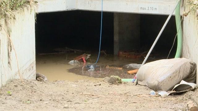 Unwetter: Mutter und 5-jährige Tochter ertrinken im Keller
