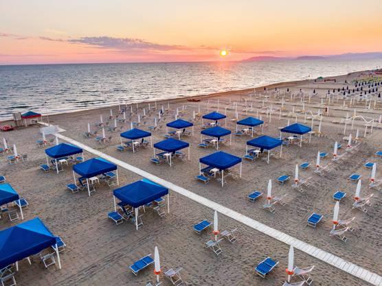 Strand, aufgenommen in Viareggio bei Pisa in Italien.