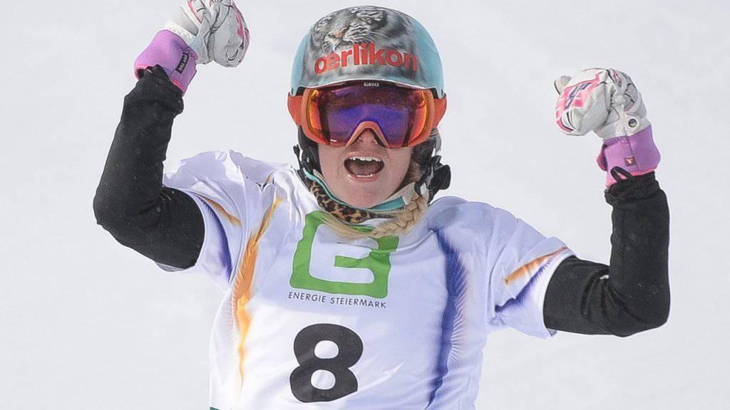 Julie Zogg hat allen Grund zum Jubeln nach ihrem 2. Rang in Cortina
