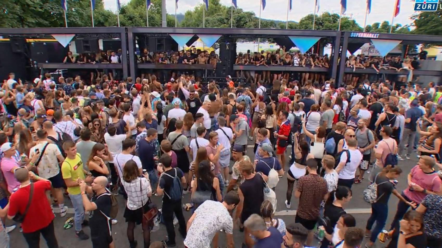 Zürich im Fieber der Street Parade
