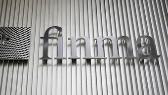 Die Eidgenössische Finanzmarktaufsicht Finma musste sich 2016 mit mehr Fällen im Bereich der Geldwäscherei beschäftigen. (Archiv)