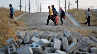 Vertrieben von Erdogan: Syrische Binnenflüchtlinge auf dem Weg ins Flüchtlingslager Bardarash.