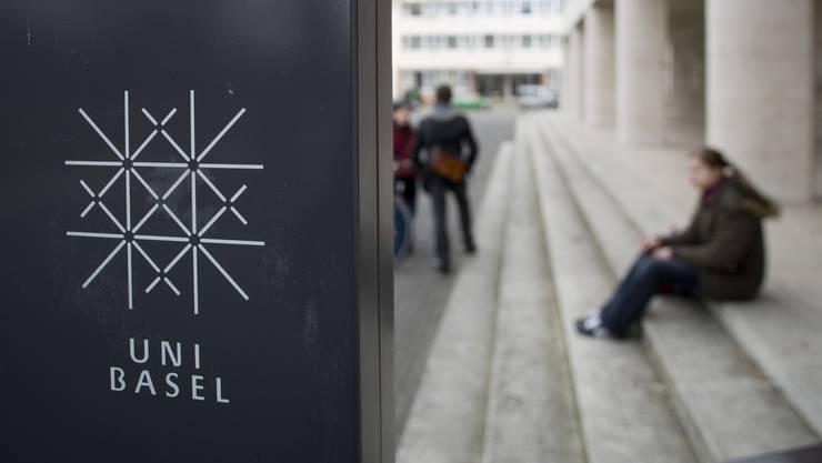 Die Universität Basel muss sparen.
