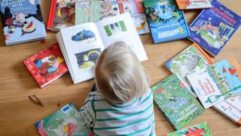Lesen ist bei Kindern beliebt: In der Bibliothek Eiken-Münchwilen-Sisseln werden 70 Prozent der Medien von Kindern und Jugendlichen ausgeliehen.