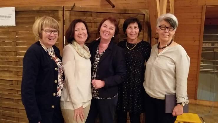 Von links nach rechts: Sylvia Reinmann (Aktuarin), Käthi Studer neu (Beisitzerin), Beatrice Saner (Spielleiterin), Hanni Kiefer neu (Kassierin) und Ursula Haas (Präsidentin).