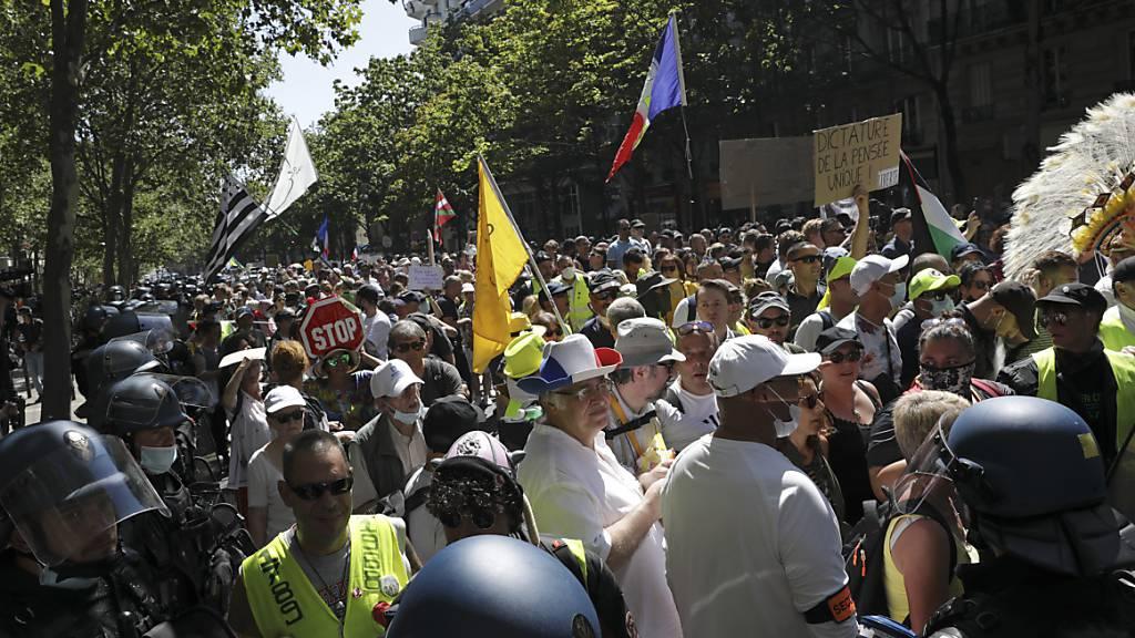 Erneute Demonstrationen gegen Corona-Regeln in Frankreich