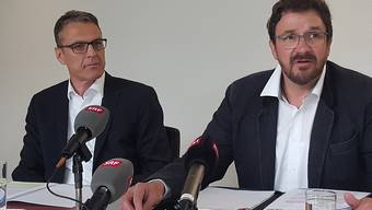 Wollen von nichts gewusst haben: Andreas Felix, Geschäftsführer des Graubündnerischen Baumeisterverbandes (links), und Verbandspräsident Markus Derungs waschen im Bündner Baukartell-Skandal ihre Hände in Unschuld.