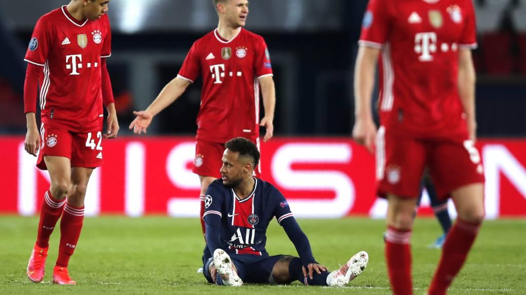 Hängende Köpfe bei den Bayern: Trotz dem 1:0-Sieg ist der deutsche Meister gegen die Pariser mit dem überragenden Neymar ausgeschieden