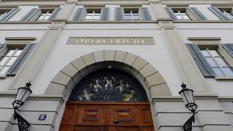 Eine ambulante Therapie ist gemäss Obergericht nicht ausreichend, da der Beschuldigte eine Gefahr für die öffentliche Sicherheit darstelle. (Themenbild)