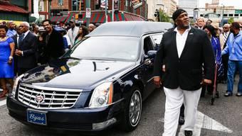 Eine Stadt ehrt B.B. King: Im Zentrum des Trauermarschs durch Memphis, Tommy Coleman, Schlagzeuger der verstorbenen Blues-Legende