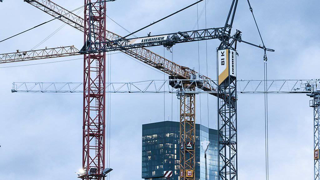 KOF-Konsensus erhöht BIP-Prognose 2018 für die Schweiz deutlich auf 2,7 Prozent. (Archiv)