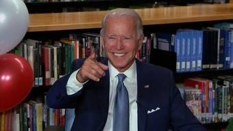 An einem grösstenteils virtuellen Parteitag wählten die Demokraten Joe Biden zum offiziellen Präsidentschaftskandidaten für die Wahlen im November. Mit Videobotschaften verkündeten die Staaten ihre Wahlergebnisse.