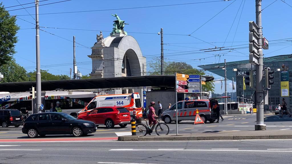 Unfall bei Bahnhofstrasse mit Quad-Fahrer und VBL-Bus
