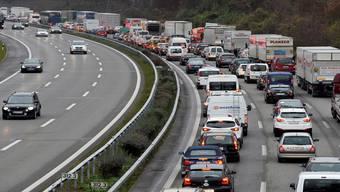 Es sind vor allem Autofahrer, die vom Pendlerabzug profitieren.